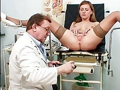 Viktorie kinky gyno pussy speculum examination by