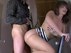 Gloria&Cyrus cool pantyhose movie