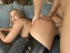 Alexis Texas Squeels When She Cums