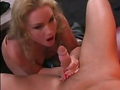 Sex fantasy Flower Tucci gets her mouth hooked up on a meaty...