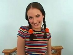 Teeny bopper club - hailey young