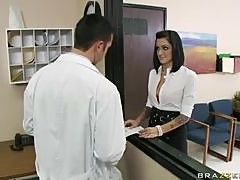 Kinky Doctors Presley Maddox Fucked By The Pharmacists Big Dick