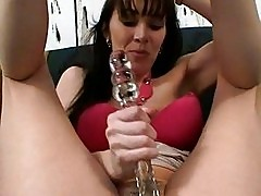 Glamour Anilos Rayveness loves fucking inside her