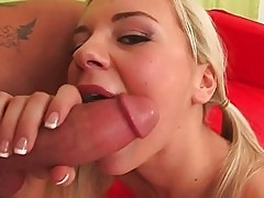 Hot 18yo Bree stuffs her mouth and pussy