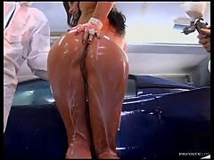 Hot Wheel Tramp Gets Double Penetrated As Shes Covered With Paint